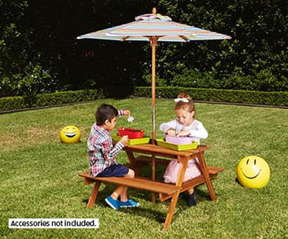 ALDI children outdoor setting